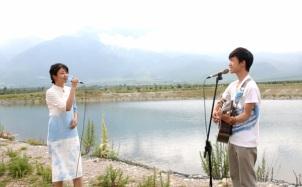 丽江情侣吉他对唱《一生所爱》,深情惹人醉!