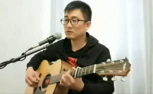 《夜空中最亮的星》吉他弹唱,致逐梦的自己
