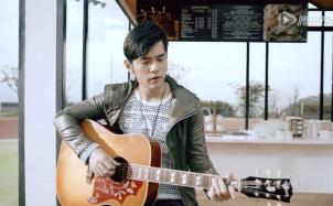 《手写的从前》吉他谱_吉他弹唱视频演示示范_C调原调版吉他谱